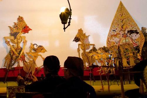Wayang Mahakarya Dalam Seni Bertutur Metrum
