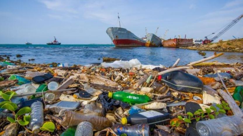 Hibah Rp 18 Miliar buat Perangi Sampah Plastik di Laut