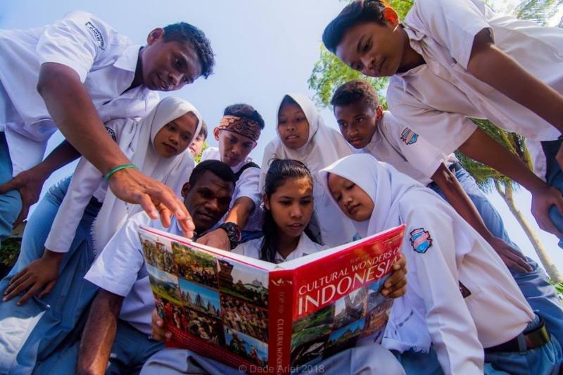 Menemukan Indonesia