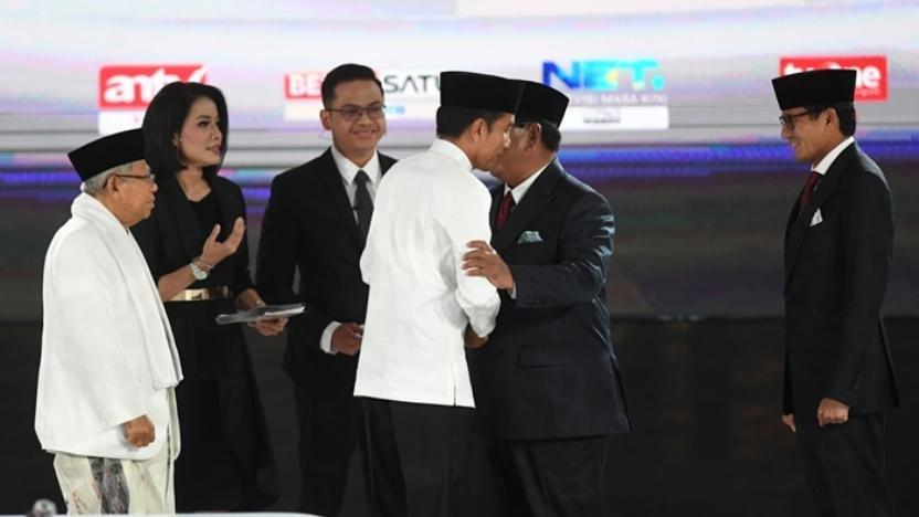 Debat Kelima, Prabowo Fokus Kekayaan Indonesia di Luar, Jokowi Bahas Kartu