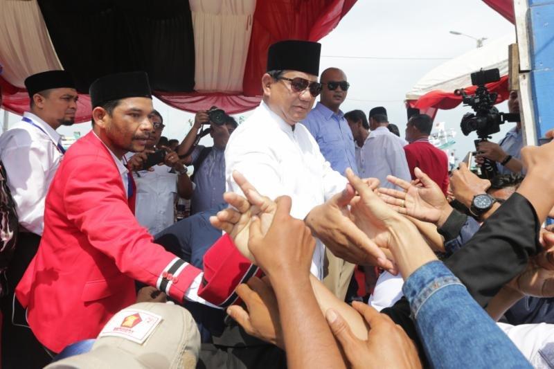 Lucu,bilang Indonesia Miskin Tapi Prabowo Suka Minta Sumbangan