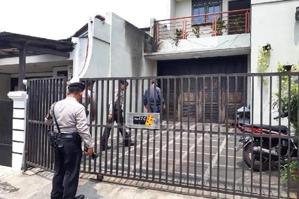 Teror Bom Serang Rumah Pimpinan KPK