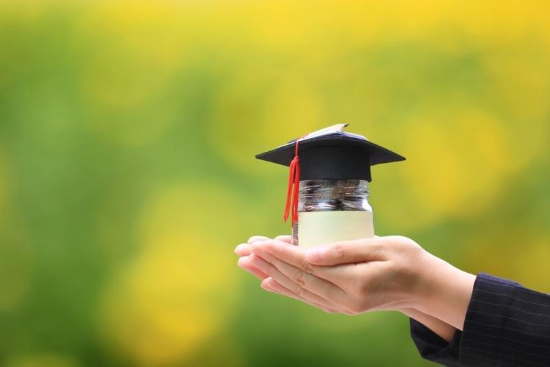 3 Cara Menyiasati Biaya Kuliah yang Terus Meroket