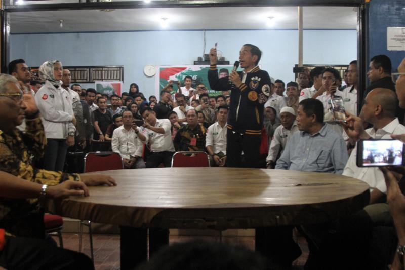 Polemik Kartu Pra-Kerja Jokowi